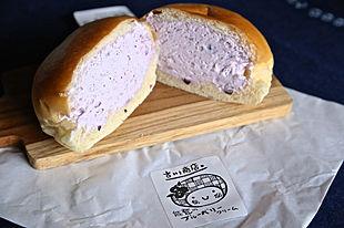 ひんやりふわふわ!能登で大人気の「冷やしクリームパン」。季節の味が全12種類!