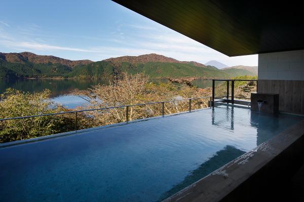 富士山と芦ノ湖を一望できる箱根の絶景日帰り温泉「龍宮殿本館」が凄かった!