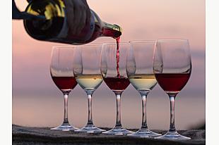熟成中ワインを樽から直接試飲!解説を交えて輪島市産海の幸を味わうプラン