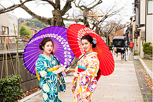 【金沢 着物レンタル】ロケーション撮影付き★趣きある街並みの金沢で着物姿の写真を撮ってもらおう!